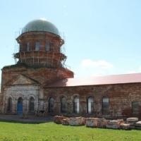В селе Котловка Елабужского района освятили крест и маковку храма в честь Илии Пророка.